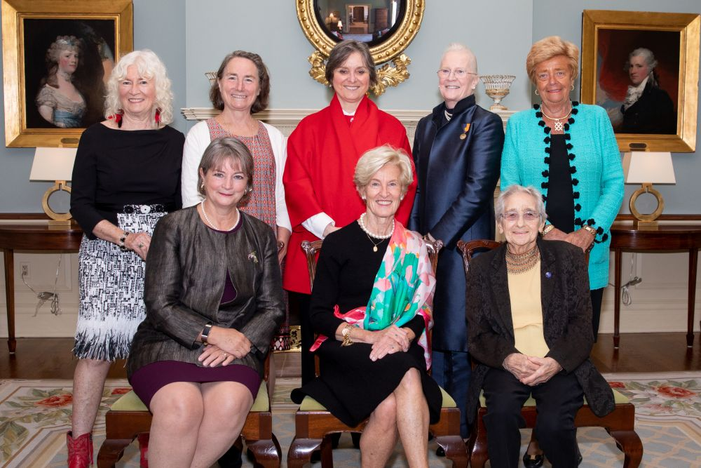 Class of 2018 Distinguished Daughters with First Lady Frances Wolf